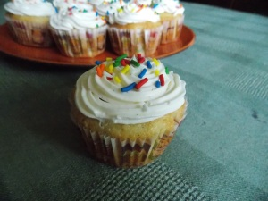 A double shot of vanilla - Vanilla Cupcakes with Vanilla Buttercream Frosting